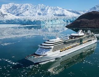 Royal Caribbean Radiance of the Seas cruise ship at the Hubbard Glacier ()