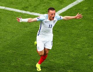 Jamie Vardy celebrates for England against Wales ()