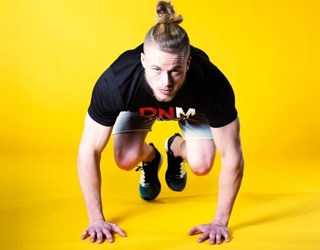 Mountain climbers LDNMuscle James Exton yellow (Malcolm Griffiths)