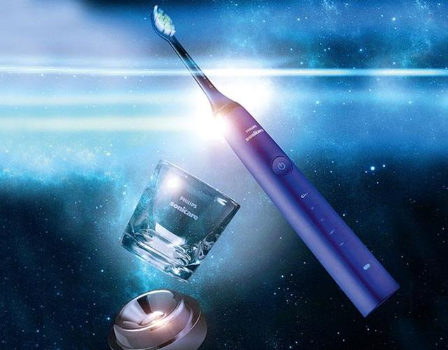 Philips Sonicare DiamondClean electric toothbrush in amethyst ()