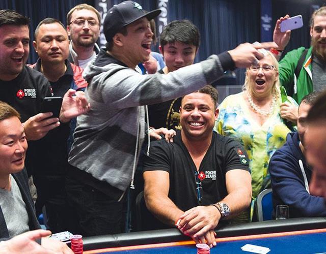 Felipe 'Mojave' Ramos with Ronaldo playing poker  (Neil Stoddart)