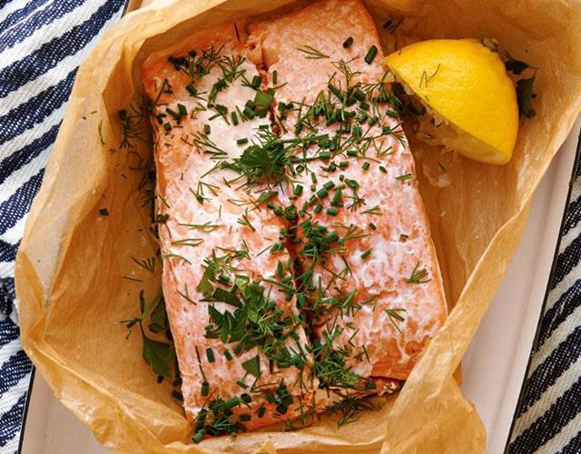 Parchment-baked salmon ()
