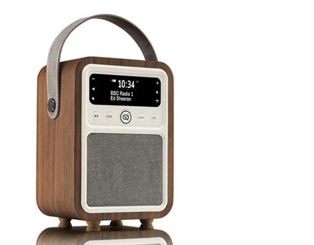 WIN 1 of 15 VQ Monty Digital DAB Radios with FS Magazine ()