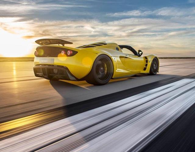 Hennessey Venom Gt Spyder rear runway ()
