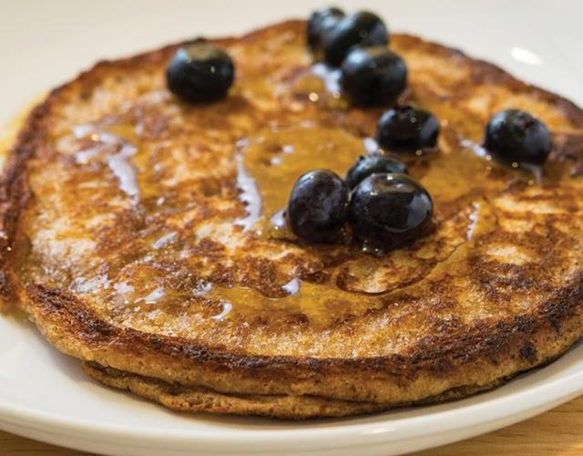 Wholemeal and oat pancakes ()