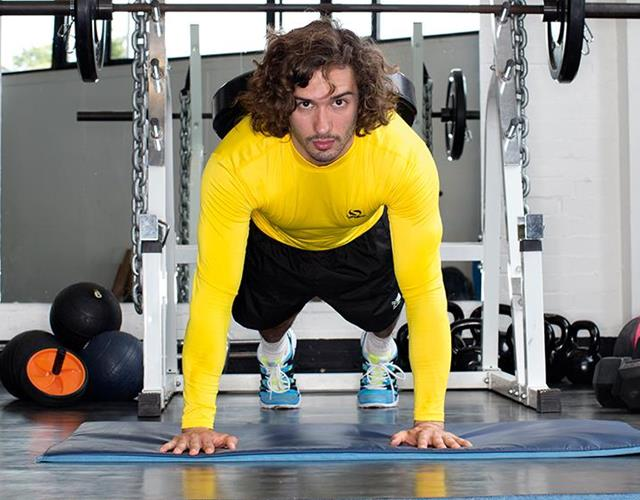 Joe Wicks' chest workout ()