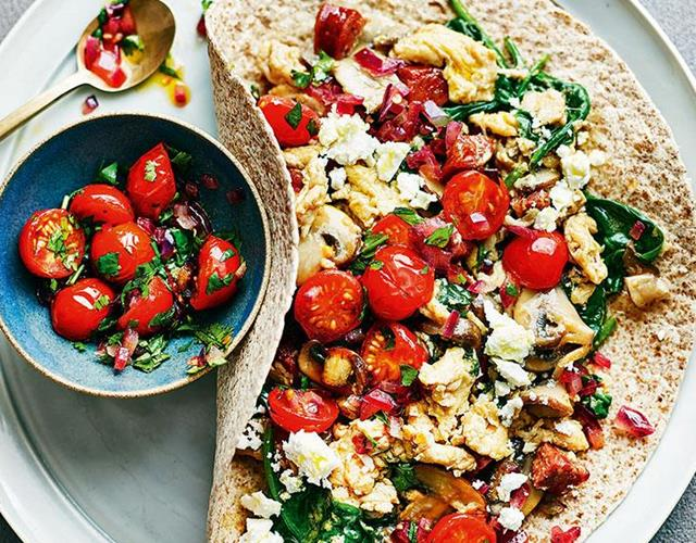 Clean eating Alice's healthy breakfast wrap ()