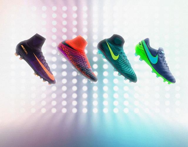 Nike floodlight football boots ()