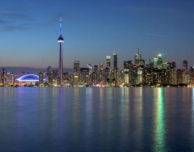 Toronto skyline ()