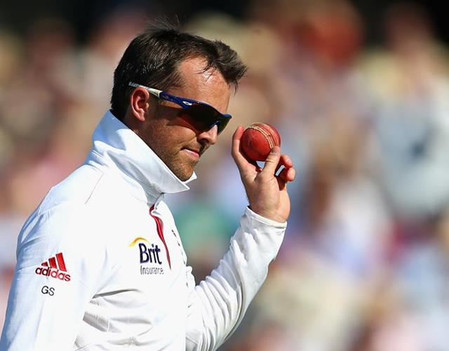 Graeme Swann ready to bowl ()
