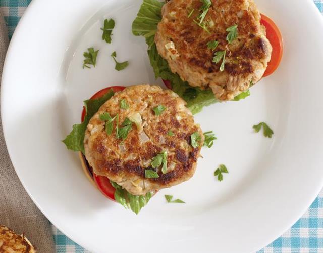 Tuna burgers (Thinkstock)