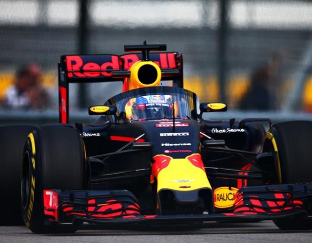Red Bull Racing Daniel Ricciardo Aeroscreen ()