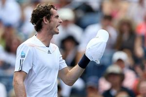 Murray's hat falls off and he loses the point US open ()