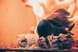 Burning Coffee fuel log from bio-bean ()