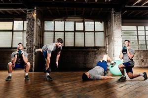 Recovery exercises Ben Davie with FS magazine ()