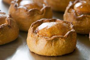 How to make a melton mowbray pork pie ()