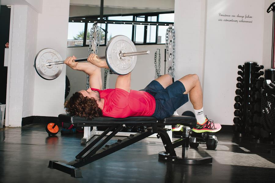 Joe Wicks the body coach triceps skull crushers ()