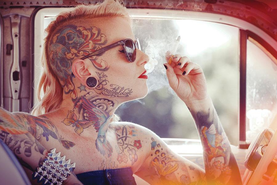 Tattooed woman ()