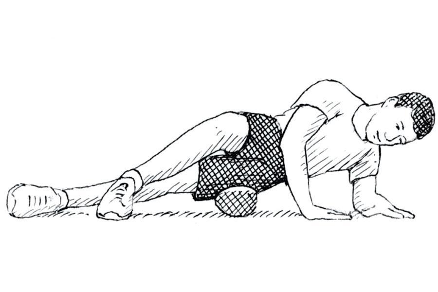 Outer thigh foam roller ()