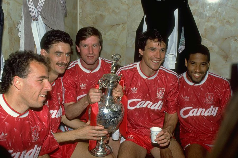Ronnie Rosenthal, Ian Rush, Ronnie Whelan, Alan Hansen and John Barnes of Liverpool celebrate (Getty images)