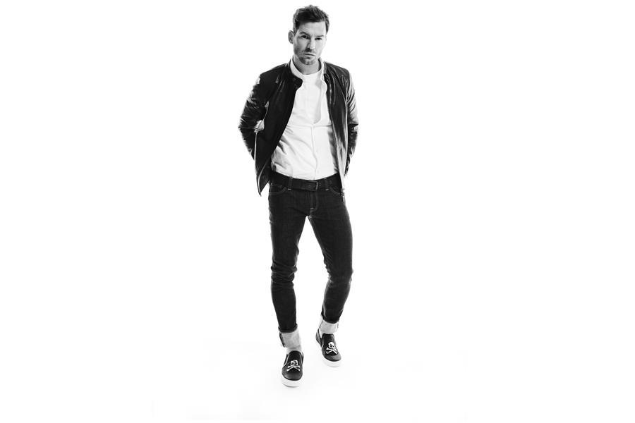 Gareth Seddon modelling a leather jacket ()