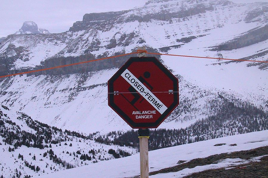 Avalanche danger (ThinkstockPhotos-122400505)