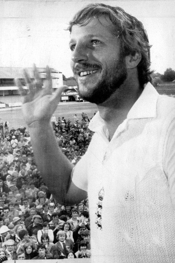 Sir Ian Botham celebrates 1981 Ashes victory ()