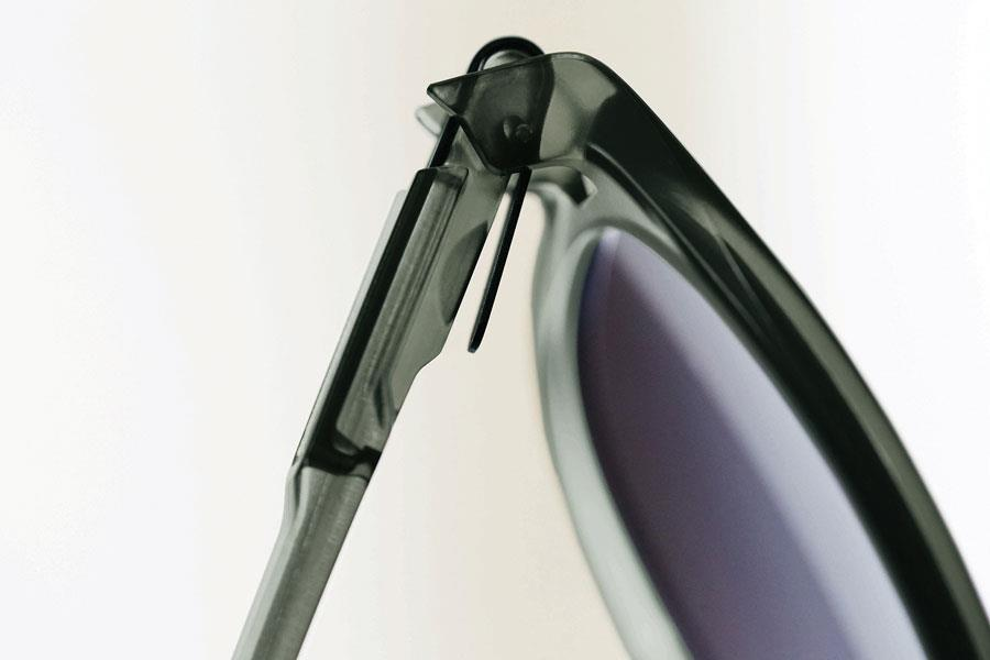 Oakley's latch sunglasses ()