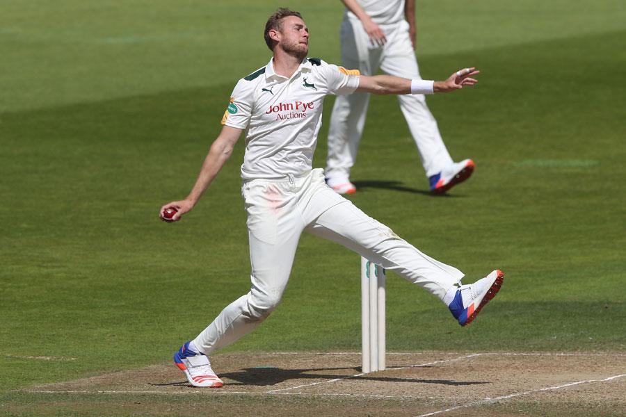 Stuart Broad bowling England ()
