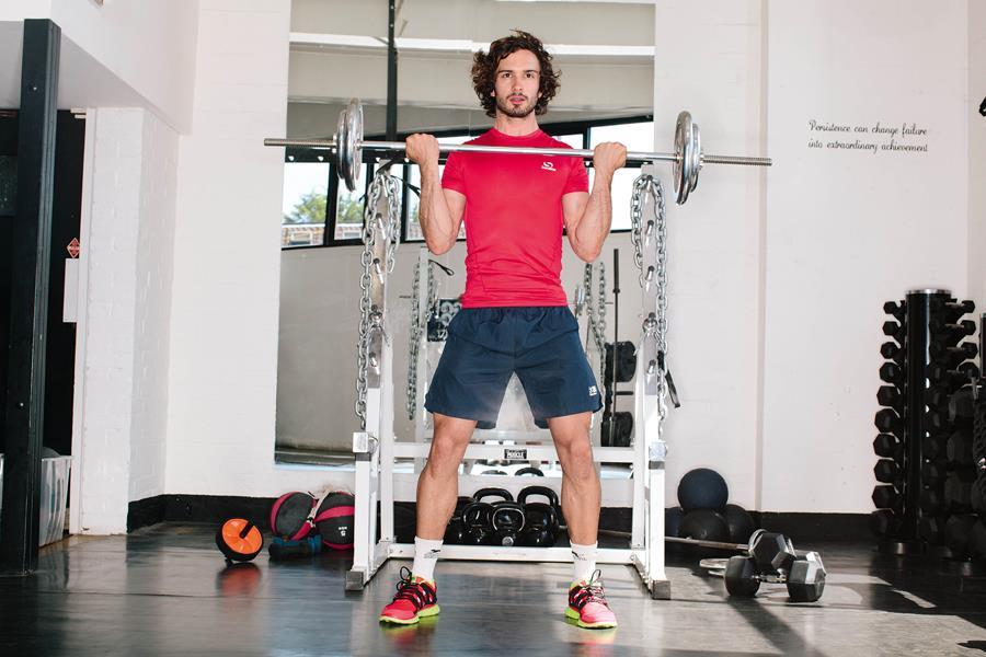 Joe Wicks the body coach barbell curls ()