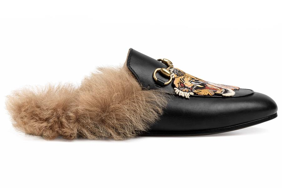 Gucci fur-lined slippers ()