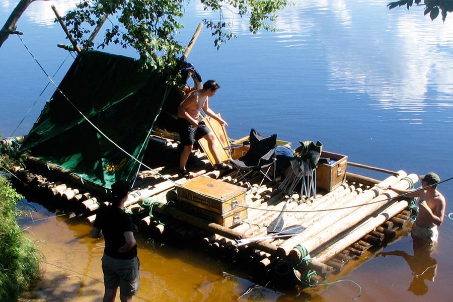 Build a raft (Promo shot)