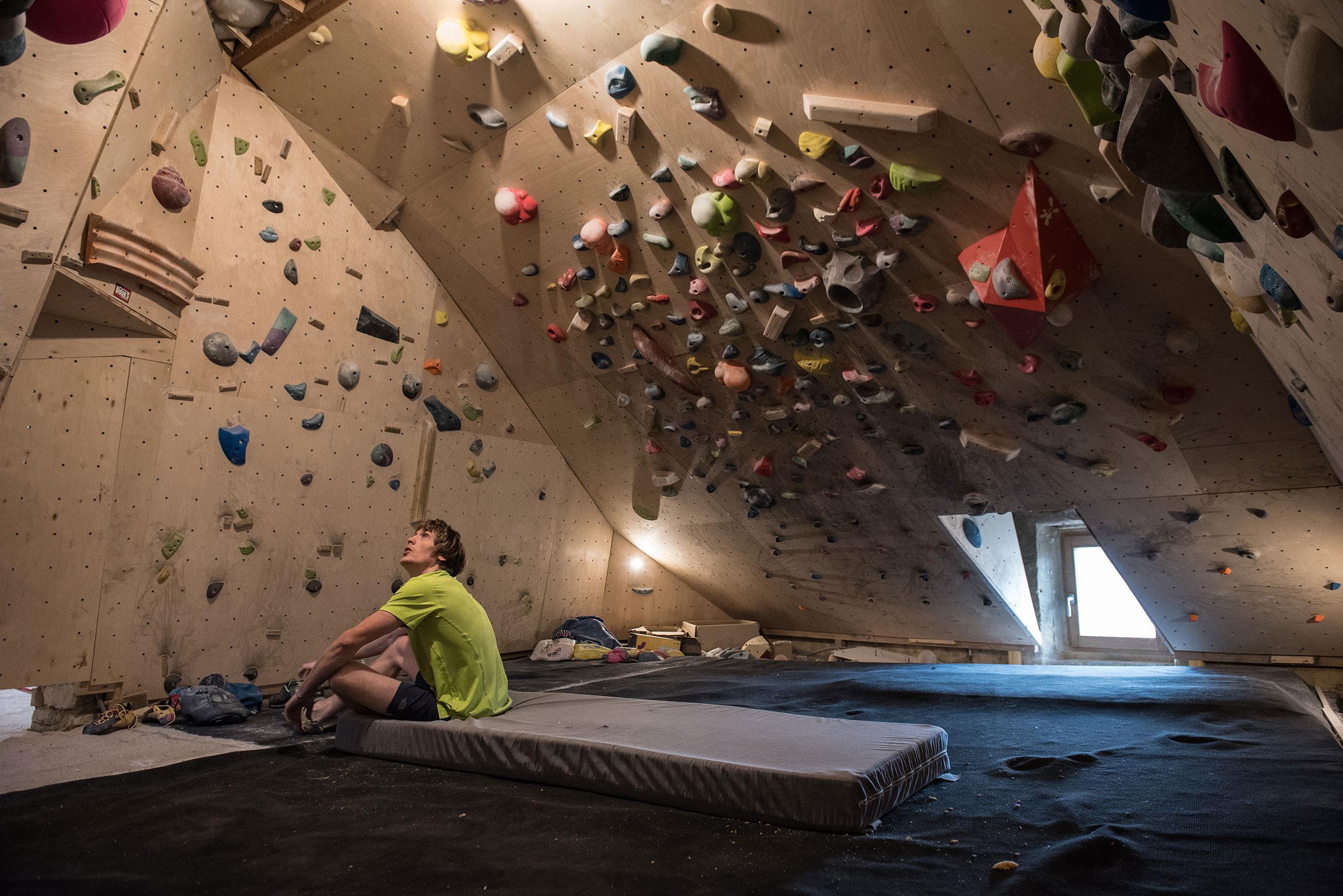 climbing ()