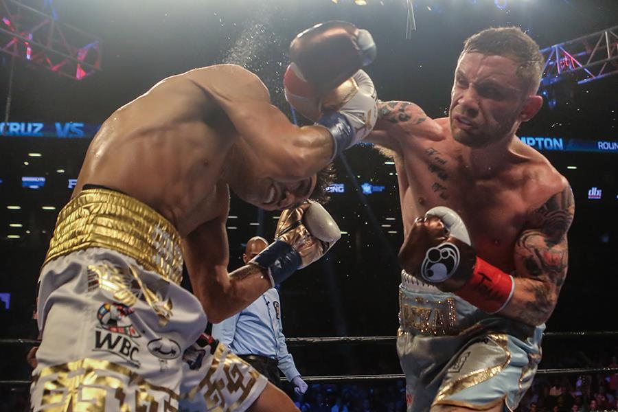 Carl Frampton fights Leo Santa Cruz (Getty)