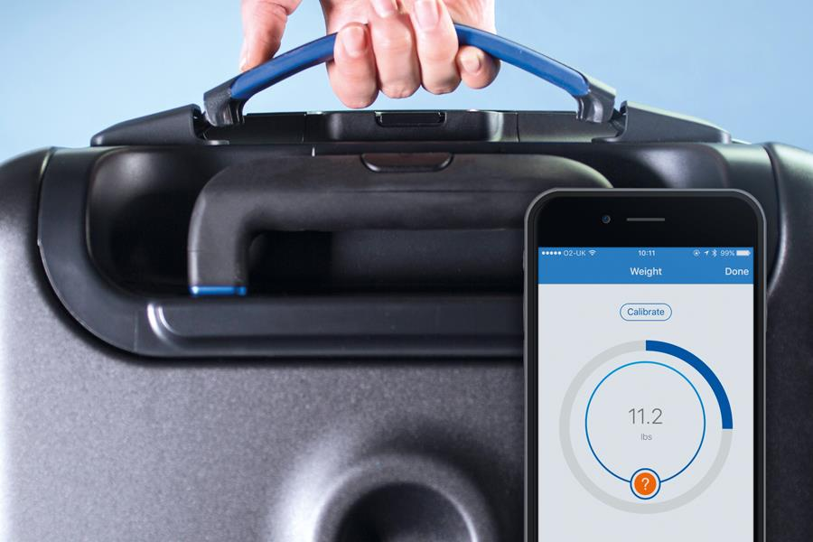 Self-weighing suitcase bluesmart ()