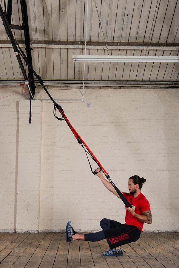 Kieran Owens KO8 suspension trainer exercises: Pistol squat and row ()