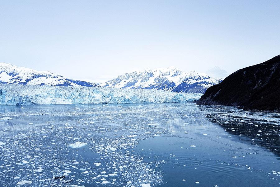 Hubbard Glacier in Alaska from Radiance of the Seas cruise ship ()