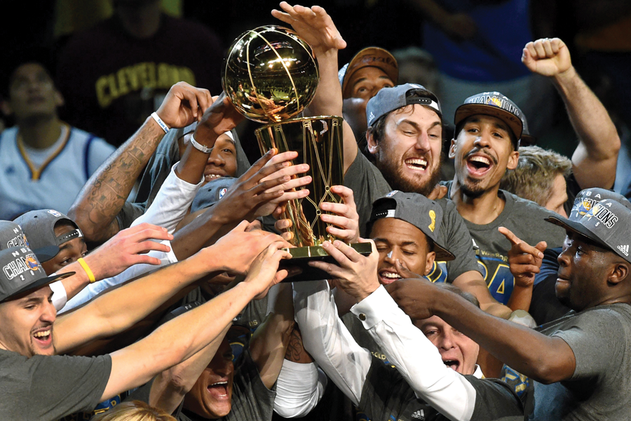 Golden State Warriors celebrating (Getty Images, David Dow/NBAE)
