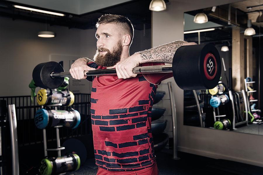 Sam Tomkins barbell hang pull training ()