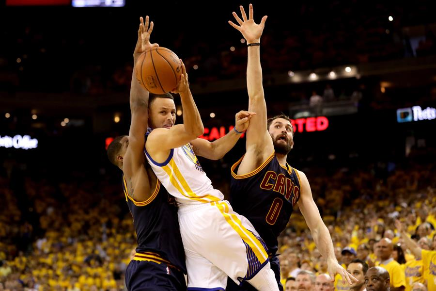 Kevin Love Steph Curry ()
